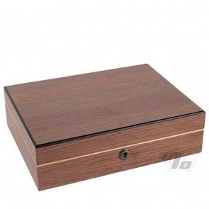 RYOT 8x11 Humidor in Walnut w/4x7 Sift Box